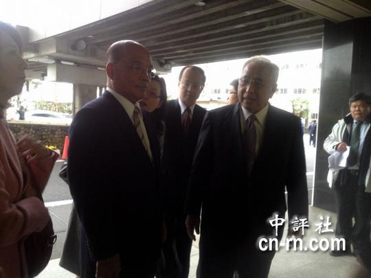 民进党主席苏贞昌下午3时在前台湾驻日代表许世楷陪同下,拜访日本自民党。(中评社邹丽泳摄)