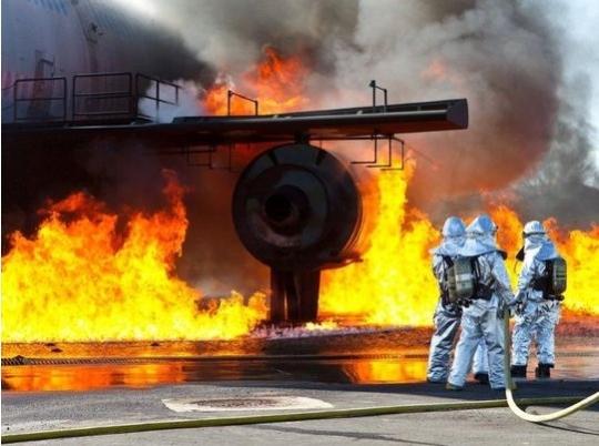 飞机灭火难度大达拉斯启用新消防训练中心