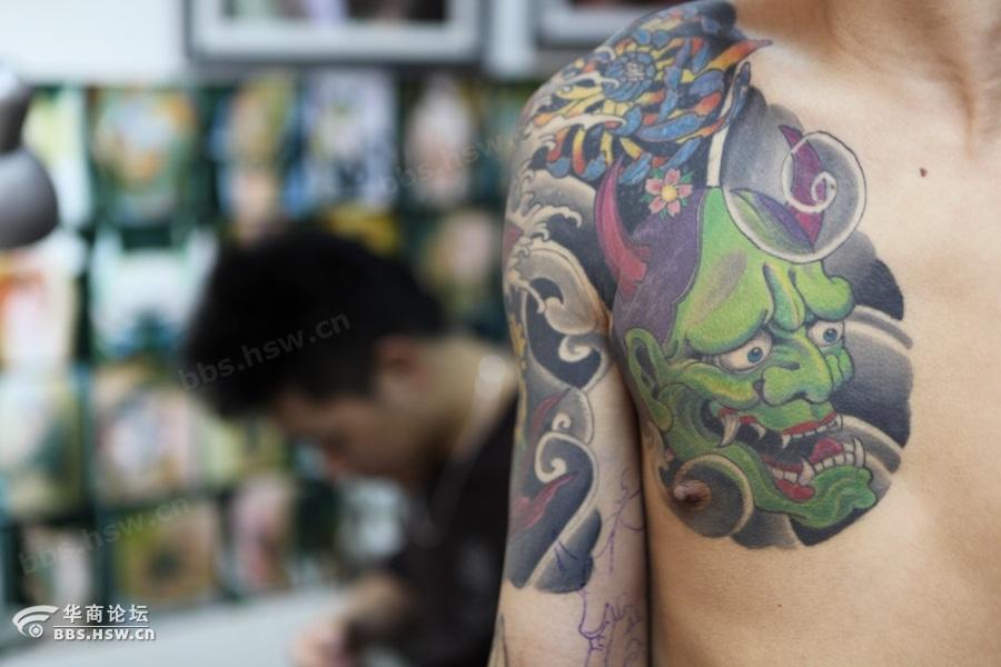 寻觅陕西纹身文化:父亲担心智障儿丢失将电话纹身上