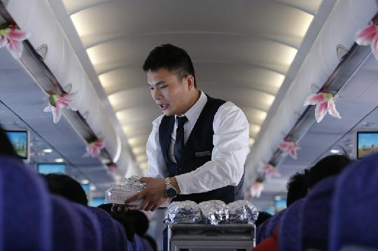 国航三八节:空姐空妹都休息男空乘全上阵; 男空乘发型图片 男发型设计图片