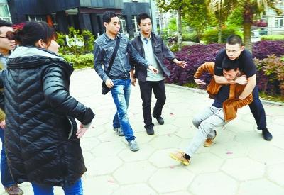 华裔张丽挑战黑人qvod