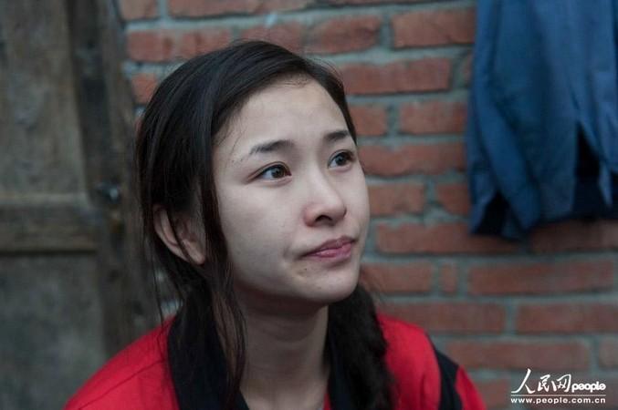 汶川地震断腿美女教师赴雅安灾区支援