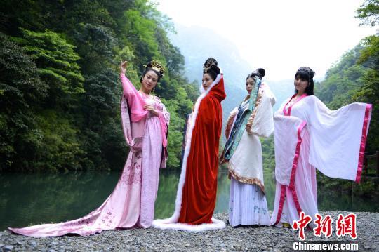 出演中国古代四大美女系列静态电影的几位
