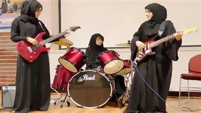 阿联酋第一支女子摇滚乐队