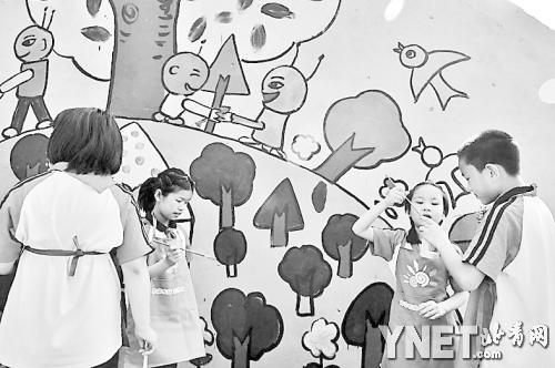 儿童涂鸦大棚外墙 描绘少年中国梦