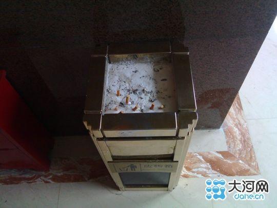 漯河某酒店室内垃圾桶上
