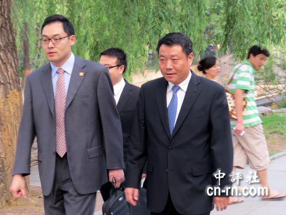 国台办副主任陈元丰(右前一)出席晚宴。(中评社 倪鸿祥摄)
