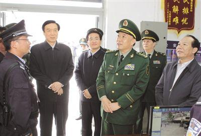 月17日上午,武警部队司令员王建平,自治区党委书记陈全国先后来图片