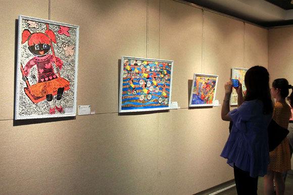 海峡两岸乡村小学生绘画作品展暨爱心之旅夏令营在沪开幕