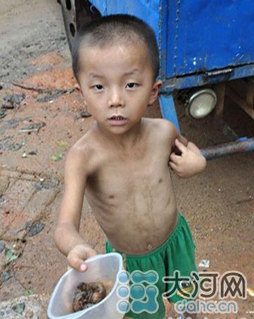 五岁男孩生活照片