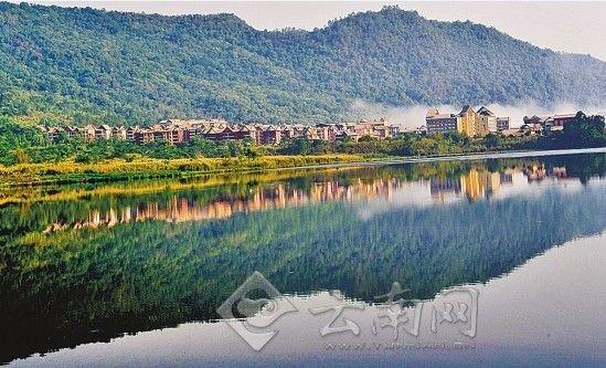 风格统一的佤族民风建筑