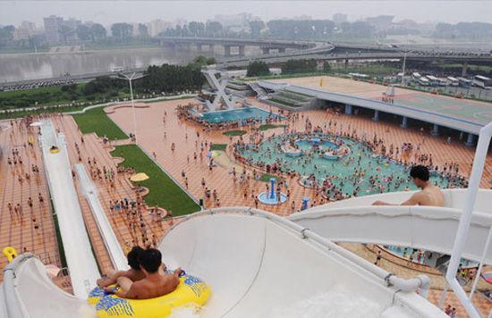 """朝媒:游客赴朝鲜绫罗岛度假 """"看起来年轻十岁"""""""