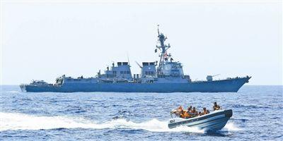 中美海军在亚丁湾联合军演 交换使用武器射击(图)