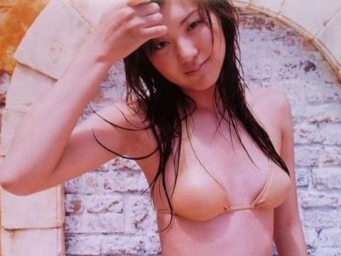 日本美女主播山岸舞彩拥有好身材及美腿