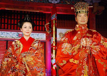日本冲绳再现琉球王朝时代恭迎中国册封使仪式(网页截图)