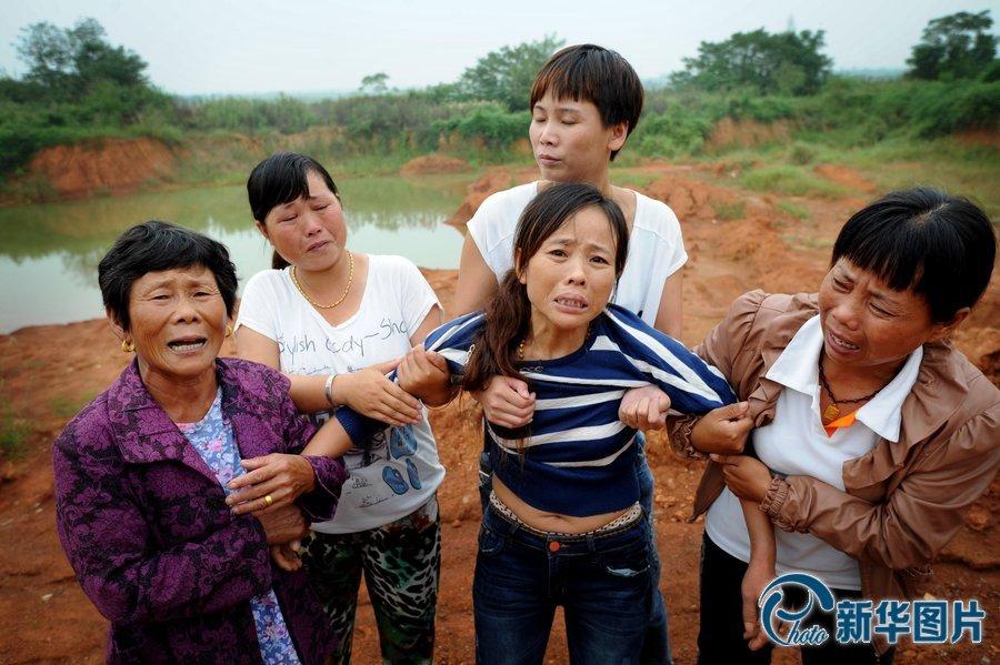 铜陵安徽:教师节放假4水塘生情趣玩耍溺亡镜子的房顶酒店名学图片