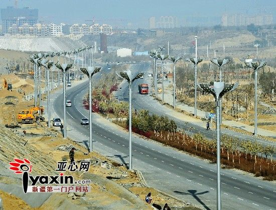 乌鲁木齐市会展片区两条道路试通车 全疆首个线性公园