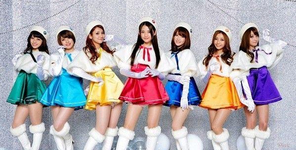 头部被浇水泥日本少女组合7名成员因烧伤暂停演出