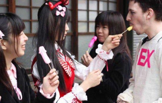 震撼男性:日本大学膜拜组图生殖器女生|日本|图腾民众材料学图片