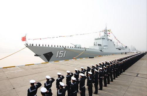 新型视频驱逐舰郑州舰入列东海舰队(图)宾利导弹修图片