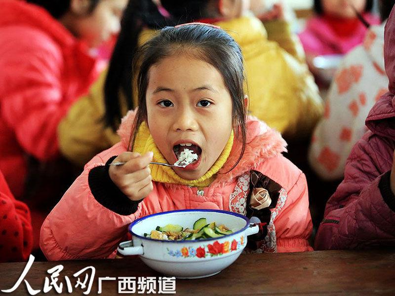 柳州千所小学中小学开设免费午餐v小学农村超亿资金梅河口市图片