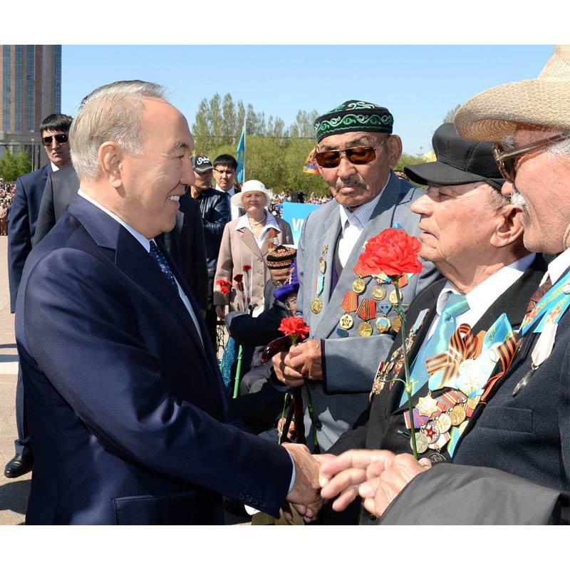 资料图片 哈萨克斯坦总统纳扎尔巴耶夫图片