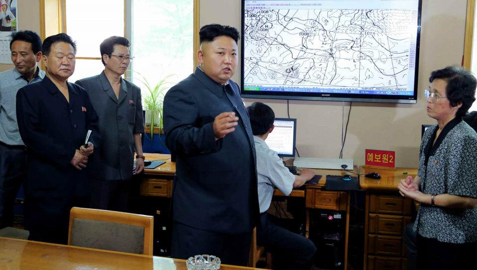 金正恩视察气象水文局 强调气象预报须准确高