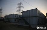 蛟溪人现在居住的七里村,位于赣江的边富大有堤下,和其它的城中村一样,村里17年前建的房屋也被拆迁改造了。现在居住在这些板箱房里的都是一些老人和孩子,年轻人都出去打工租房子住了。