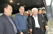 故宫博物院古陶瓷专家耿宝昌先生在汝州考察汝瓷