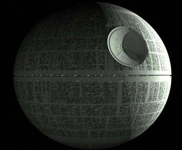 《星球大战》中的死星。宇航局向观日爱好者保证帝国舰队并未造访我们的太阳系