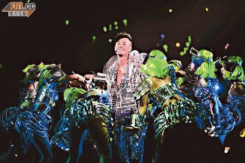 林峰预言澳门演唱会将发光发热,令歌迷十分期待。