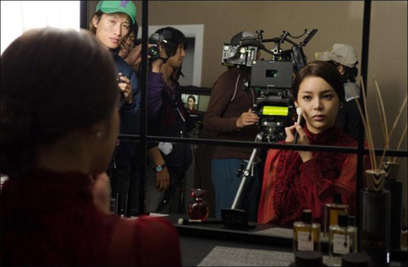 高清:韩国电影《待奸男》激情戏现场照曝光 朴