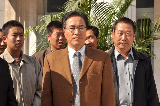 杨立新/杨立新扮演一个医院院长。