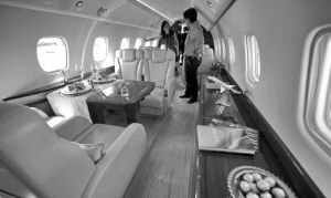 成龙私人飞机内景