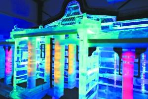 冰雕馆让你叹享冰天雪地。