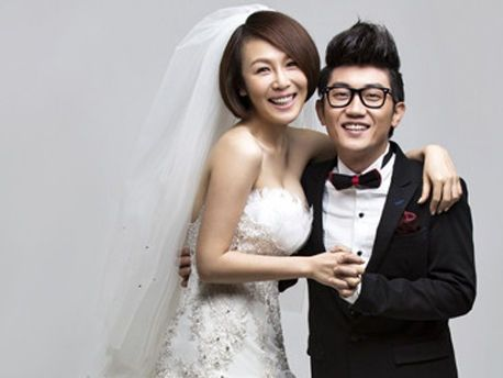 金志文与妻子金兰婚纱照