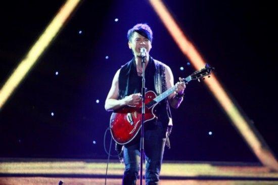 陶喆自弹吉他