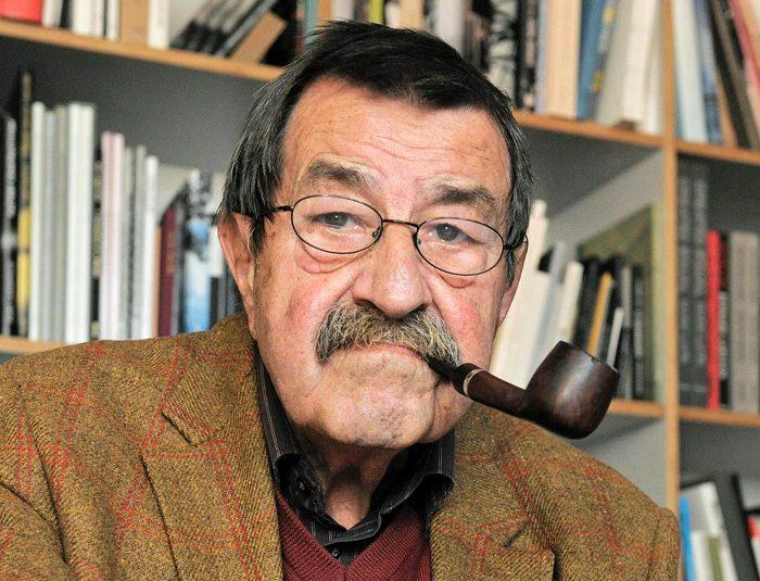 农村老人悼�z#���_[独家]英国作家拉什迪悼格拉斯:他是一个巨人