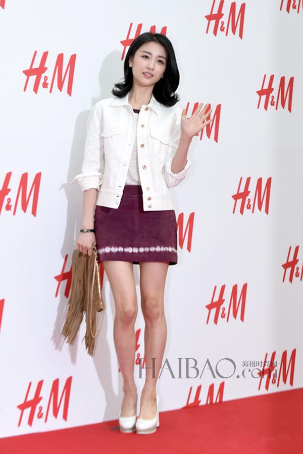 朴河宣亮相h&m位于韩国首尔永登浦新店的开业仪式