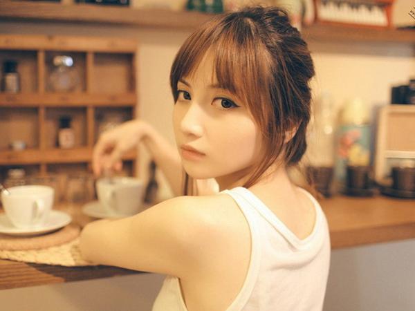 wwwmm877com_万虹萱清新美女高清桌面壁纸