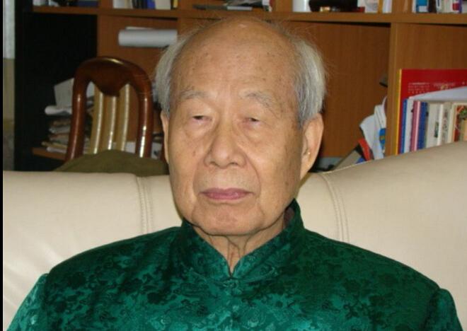 大师王鼎钧:拿读者当垃圾桶的时代过去了-红豆社区