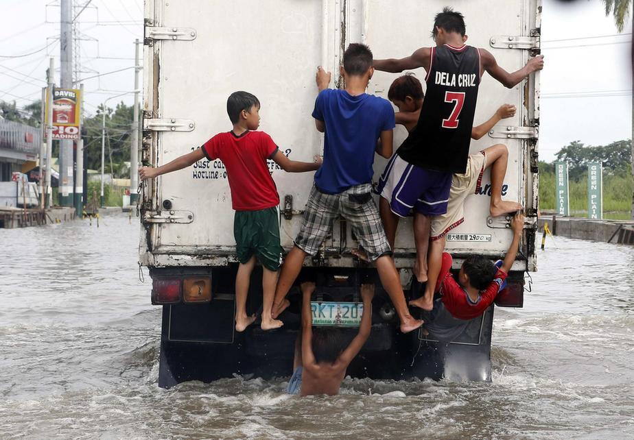 死亡20人_根据到昨天为止的最新统计,这场灾难已造成20人死亡,受灾人口将近200