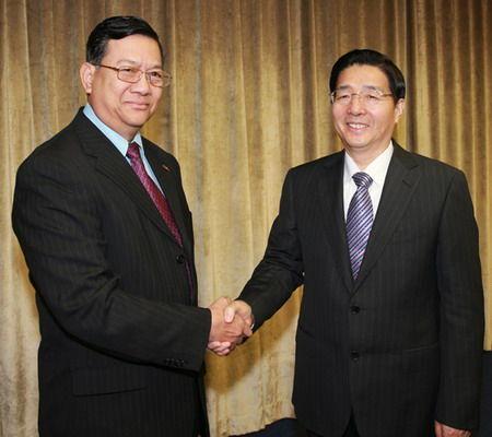 哥哥日_郭声琨与缅甸内政部部长哥哥主持中缅执法安全合作部长级会议